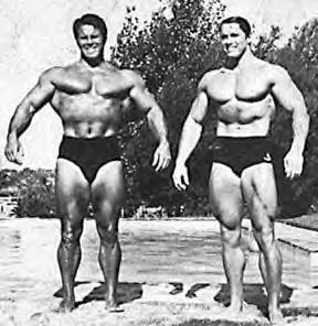 Reg Park tudott valamit. A felvételen a nála 19 évvel fiatalabb Schwarzeneggerrel megörökítve