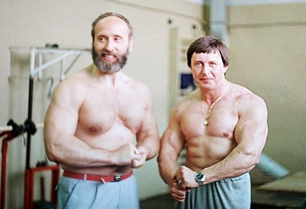 Vlaszov, Dubininnal 1987-ben. A sport bizottság szemináriumot hirdetett az összes szovjet köztársaság bevonásával. Vlaszovot 52. évében a frissen megalakult testépítő szövetség elnökének választották.